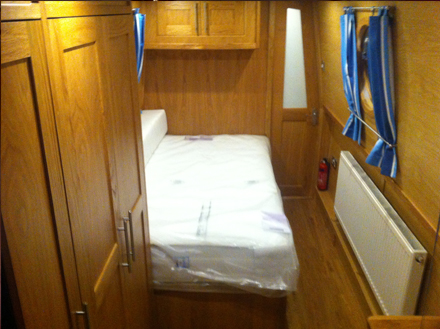 Vegas Narrowboats Bedroom